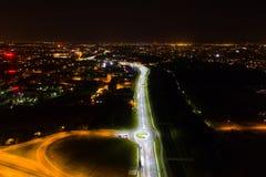 Cruces y cruce giratorio en la noche Fotografía de archivo libre de regalías