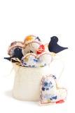 Cruche avec des coeurs et des oiseaux Images stock
