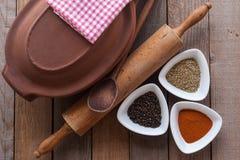Cruche et épice photographie stock libre de droits