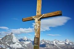 Crucificação no paraíso da geleira de Matterhorn perto do pico de Matterhorn, cumes Imagem de Stock