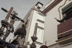 Crucificado de la hermandad de la hiniesta, semana santa de Sevilla arkivbild