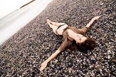 Crucified na praia foto de stock royalty free