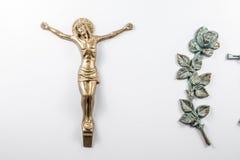 Crucifijo de bronce en el monumento Fotografía de archivo libre de regalías
