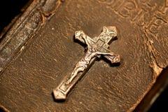 Crucifix antique Photographie stock libre de droits