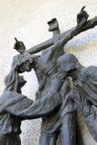 Crucifix avec la mère Mary et l'apôtre John, Italie Photos libres de droits