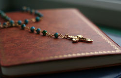 Crucifix on Holy Bible Royalty Free Stock Images