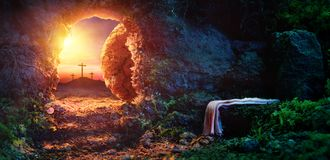 Free Crucifixion At Sunrise - Empty Tomb With Shroud Royalty Free Stock Photos - 111407198