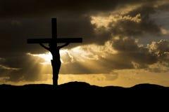 Crucifixion de Jésus-Christ sur la silhouette de Vendredi Saint Images stock
