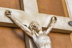 Crucifixo com sofrimento de Jesus Christ fotos de stock royalty free