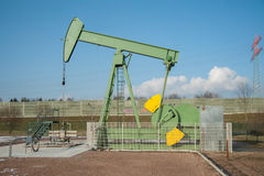 Crude oil pumping and production 2 Stock Photography