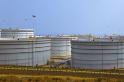 Crude Oil Tank. Crude oil storage tank in a refinery Royalty Free Stock Images