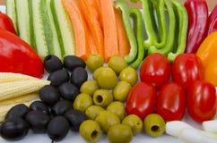 Crudités et olives végétales photos libres de droits