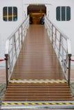 Cruise het inschepen ingangsplatform Stock Afbeelding