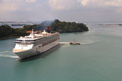 Cruise liner near Singapore Royalty Free Stock Photography