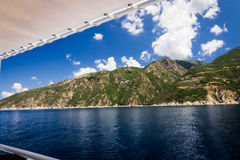 Cruise in Middellandse Zee rond Holly Mountain Greece Stock Foto