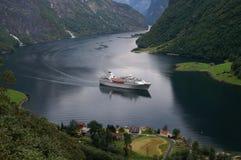 Cruise in Naerøyfjord, Noorwegen Royalty-vrije Stock Foto's