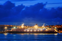 Cruise at night on getxo Royalty Free Stock Photos