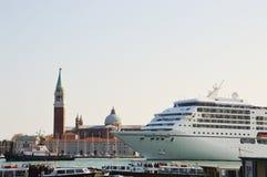 Cruise, schepen en Venetië Stock Afbeeldingen