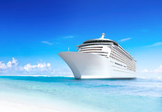 Free Cruise Ship Royalty Free Stock Photo - 39416945
