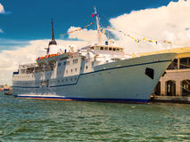 Cruise ship at the bay of Havana Stock Photos