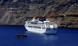 Free Cruise Ship Below The Cliff Of Fira Royalty Free Stock Image - 124055736