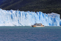 Cruise ship boat near glacier in Patagonia, Argentina Stock Photography