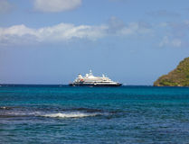 A cruise ship calling at admiralty bay, bequia Royalty Free Stock Photos