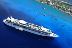Cruise Ship in Caribbean Ocean. Cruise ship of the coast of Grand Cayman viewed from above Stock Images