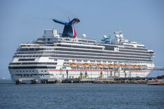 Free Cruise Ship Carnival Splendor Long Beach, California Stock Photography - 170358182