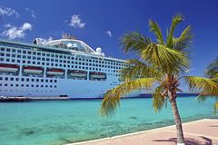 Cruise ship docked in Aruba, caribbean Royalty Free Stock Photos