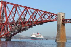 Cruise ship and Forth Bridge Royalty Free Stock Photos