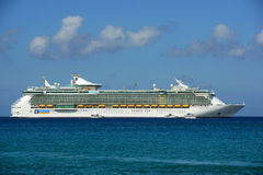 Cruise Ship Independence of the Seas in Cayman Islands Stock Images