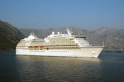 Cruise ship in Kator bay Royalty Free Stock Images