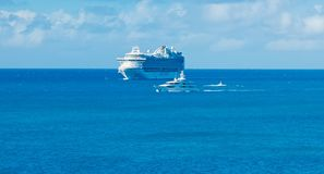 Cruise Ship and Luxury Yacht Royalty Free Stock Photos