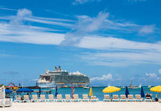 Cruise Ship in Philipsburg Royalty Free Stock Images