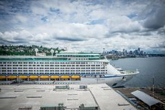 Free Cruise Ship Pier 91 In Seattle Washington Stock Photos - 107953893