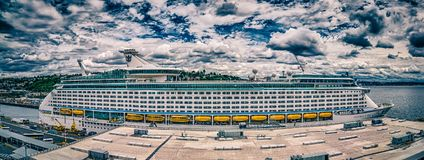 Free Cruise Ship Pier 91 In Seattle Washington Royalty Free Stock Image - 107960236