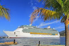 Cruise Ship in port Royalty Free Stock Images