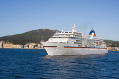 Cruise ship by sea Royalty Free Stock Photography