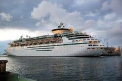 Cruise vóór het Onweer Royalty-vrije Stock Afbeeldingen
