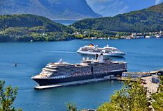 Cruisehaven in Alesund, Noorwegen Stock Afbeeldingen