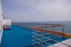 Cruiseomheining door venster Royalty-vrije Stock Fotografie