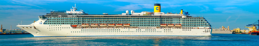 Cruiser Costa Mediterranea Royalty Free Stock Image