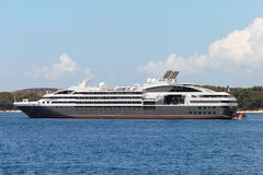 Free Cruiser Ship Royalty Free Stock Photos - 25938578