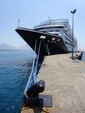 Cruiseschip bij pijler in Turkije wordt gedokt dat Stock Afbeeldingen