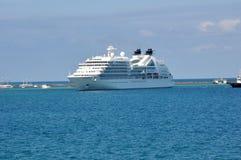 Cruiseschip in haven van Salvador Royalty-vrije Stock Foto's