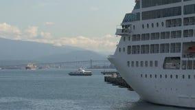Cruiseship在港口温哥华,加拿大 股票录像