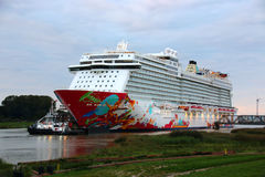 Cruiseship на Ems Стоковое Фото