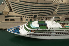 Cruiseship bij terminal in Barcelona Spanje Stock Afbeelding