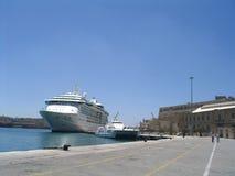 Cruiseship en Malta Imagenes de archivo